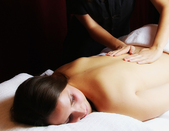 Le massage indien au Royal Spa